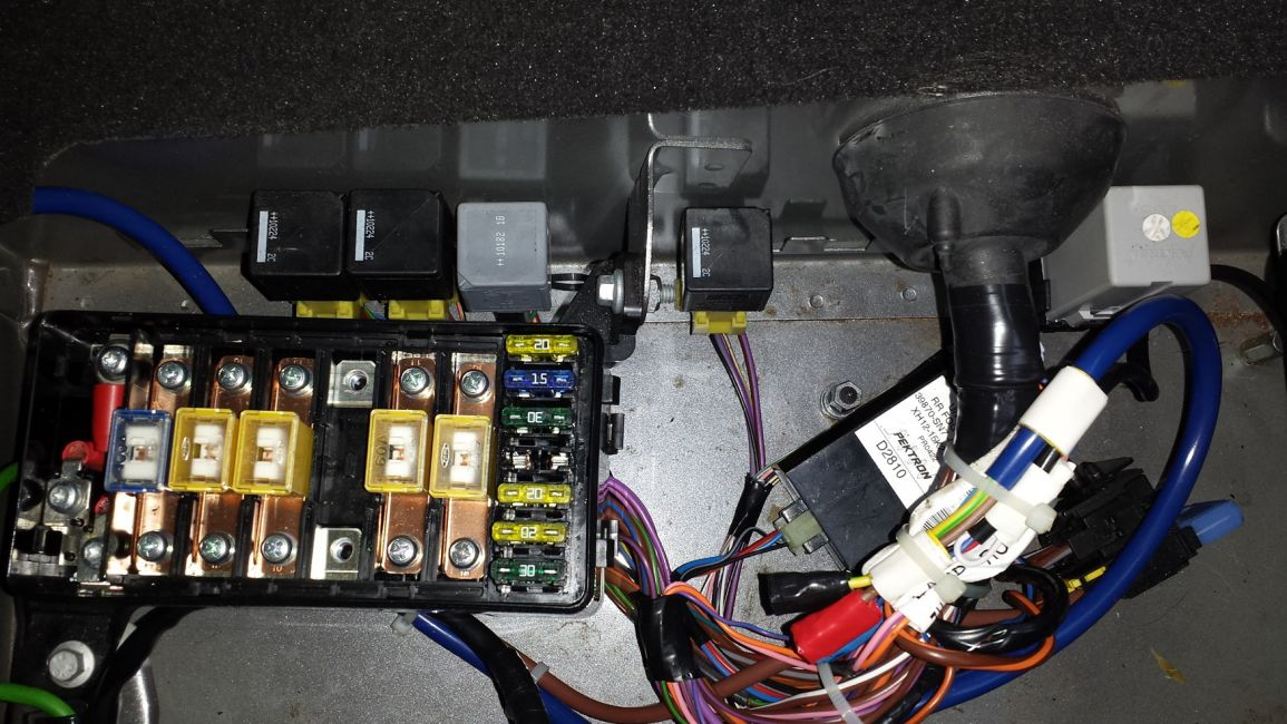 Defender2 Net View Topic Main Fuse Box Under Driver S